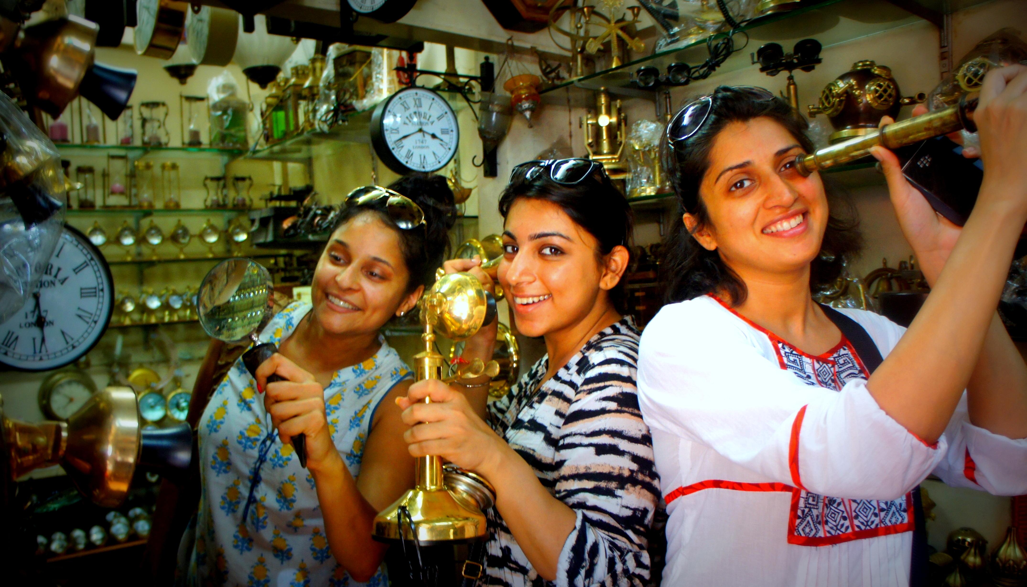 Cb Chor Bazaar Pictures
